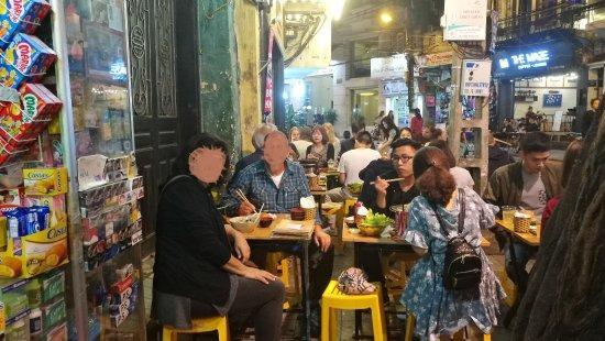 Khách sạn Hà Nội Medallion: Eat Out in Ma May Street