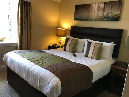 Comfy bed picture of international hotel killarney for Comfy hotels resorts