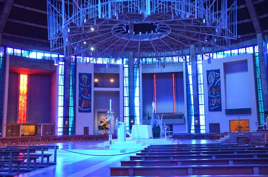 Metropolitan Cathedral of Christ the King Liverpool: Circular chancel