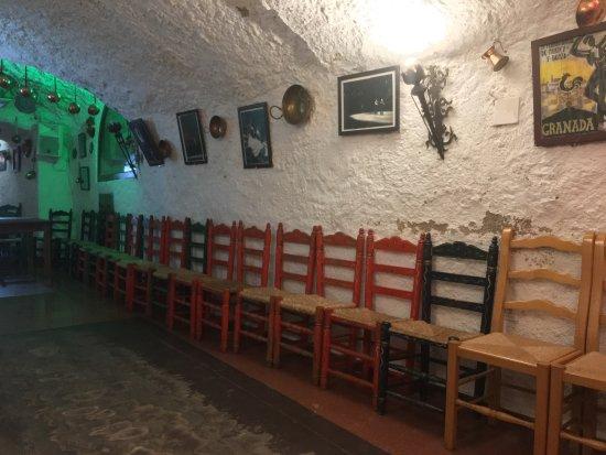 Cuevas Los Tarantos : photo0.jpg