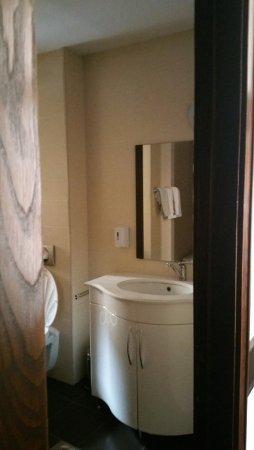 Hotel Rezime Residence: Bathroom