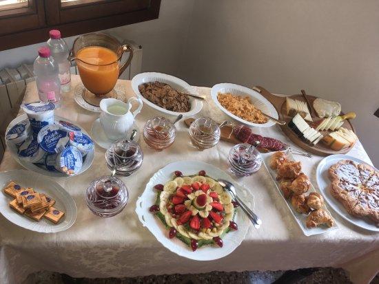 Sandra B&B : Потрясающий завтрак