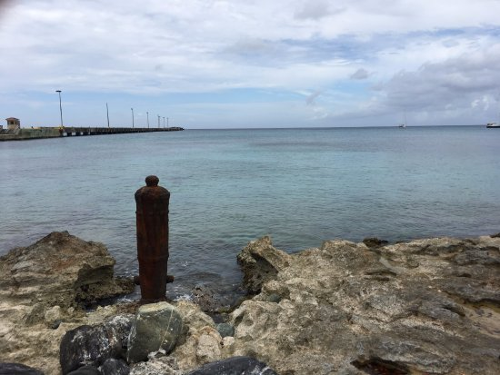 Frederiksted: Shoreline in front of fort looking out to pier