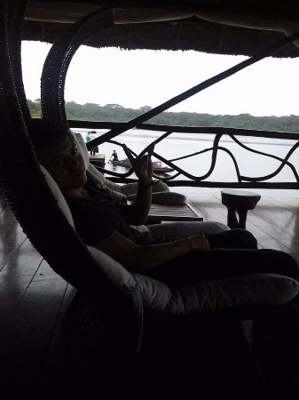 Napo Wildlife Center Ecolodge: Relax en el muelle :D