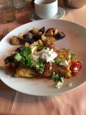 Cloverdale, CA: Main breakfast Spanish omelette