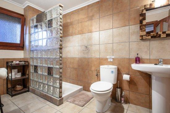 "Ondara, Spain: Badezimmer Superior Zimmer ""Christian Louboutin"""