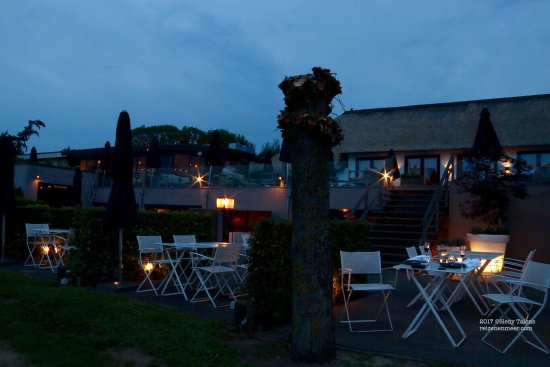 Dalfsen, The Netherlands: Patio of the restaurant