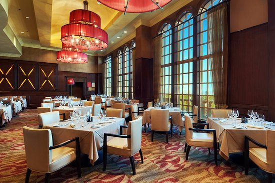 SC Prime Steakhouse & Bar : Dining Room.