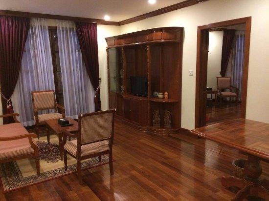 ستيونج سيمريب هوتل: Living Room