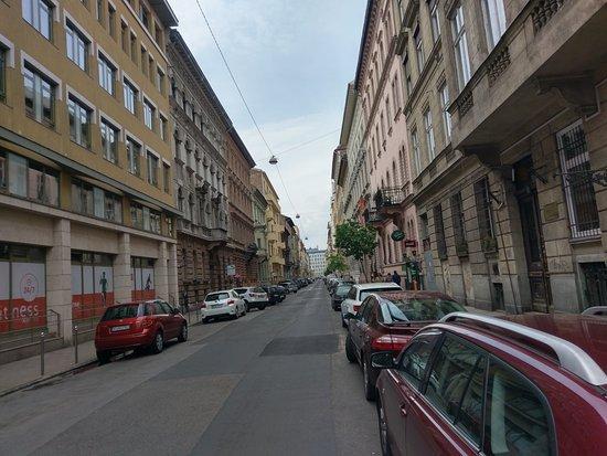 easyHotel Budapest Oktogon: IMAG7990_large.jpg