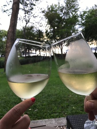 Casa Conde Beach-Front Hotel: A nice glass of wine at the end of a great day