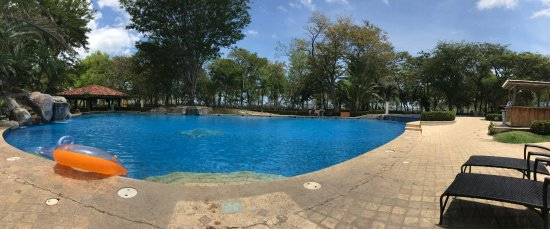 Playa Panama, Costa Rica: Pano of the pool