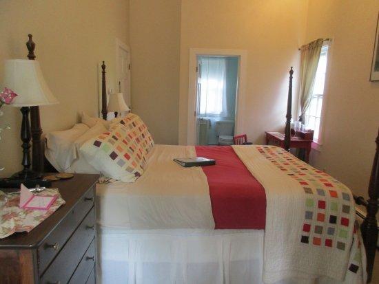 Foto de Woods Hole Passage Bed & Breakfast Inn