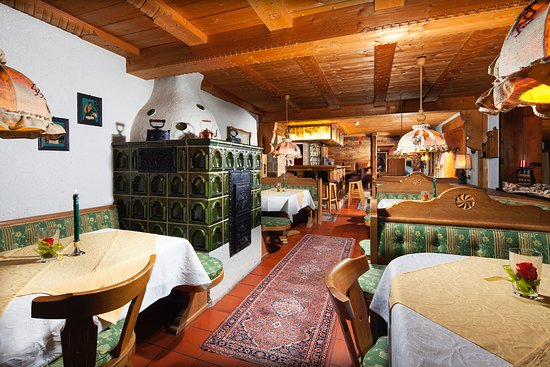 Alm- & Wellnesshotel Alpenhof: Kaminstube