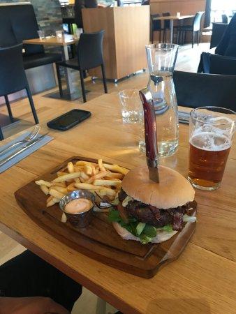 Akranes, أيسلندا: Shut up burger