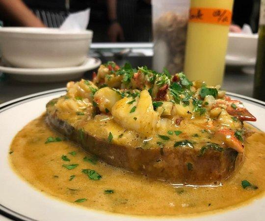 Cranford, NJ: Lobster Crostini