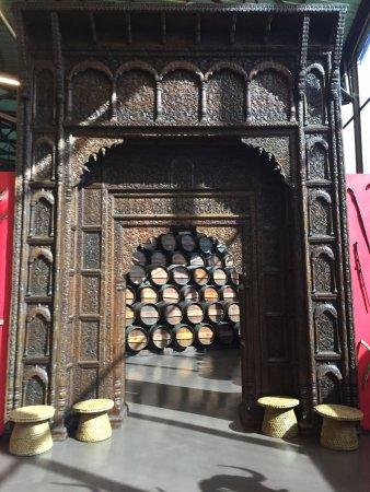 Bacalhôa Vinhos de Portugal: Portal da entrada do estoque de pipas