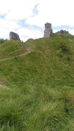 Clun, UK: view up the 2nd steel hill to the ruins