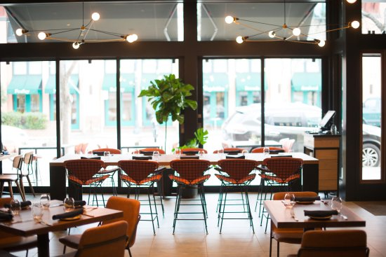 San Mateo, CA: Group dining available: