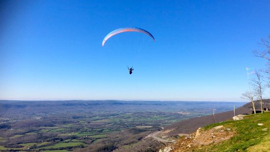 Dunlap, TN: Paragliding at Henson Gap