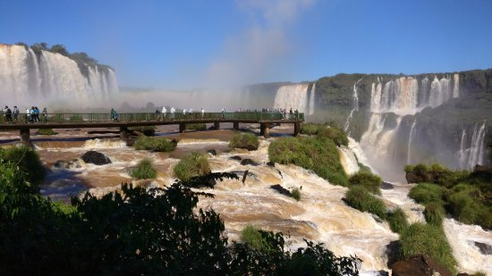 Cataratas del Iguazú: Better carry raincoats to this place
