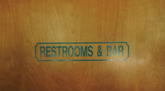 Graeagle, Καλιφόρνια: I'm sorry, but I thought this sign was hilarious! (And yes, it led to the bar and bathrooms
