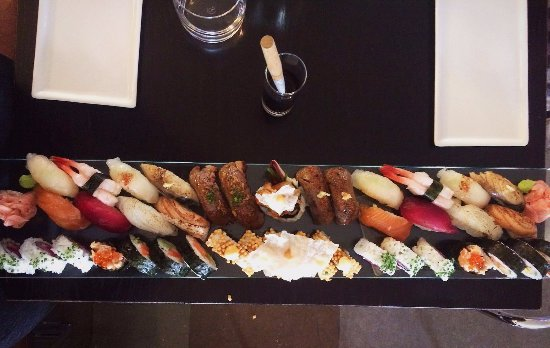 Rakultur: Course 1 of the great Nordic sushi gorge of 2017