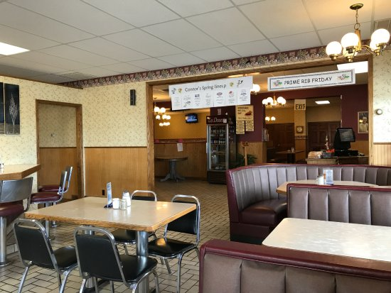 Heyburn, ID: Spacious dining or at the counter