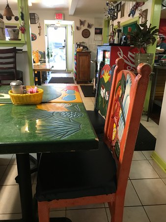 Keller, تكساس: Table & chair colors