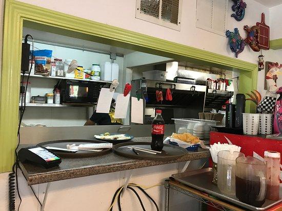 Keller, تكساس: Kitchen window