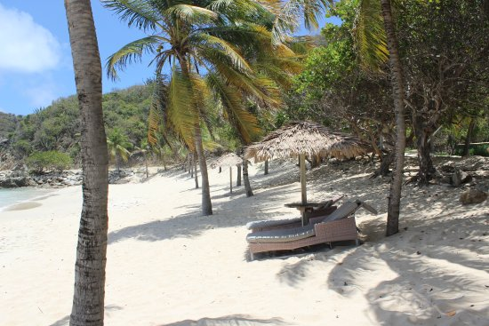 Peter Island Resort and Spa: Deadman's Beach (The main beach) so quiet!