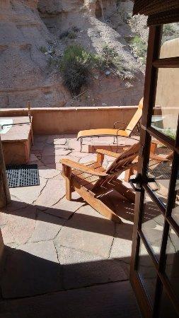 Ojo Caliente, NM: Private cliff-side patio