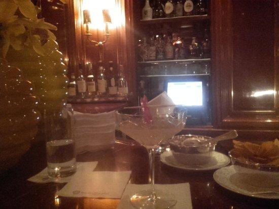 Excelsior Hotel Ernst: Piano Bar