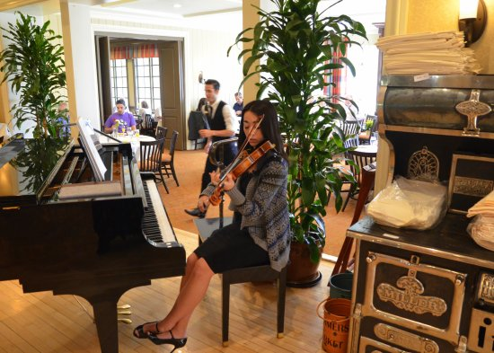 Homestead Resort: We even had a talented young lady play the piano and the violin while we were dining.