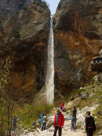 Solcava, Slovenien: Savica waterfall