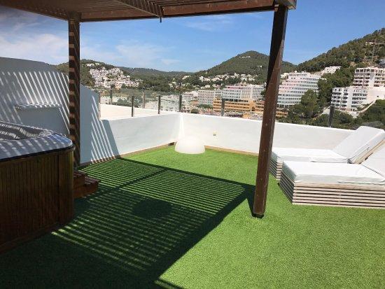 Terraza privada con jacuzzi picture of palladium hotel - Terraza con jacuzzi ...