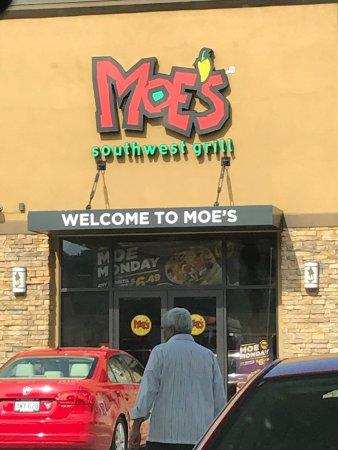 Sutton, Virginia Occidental: Moe's