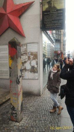 Mauermuseum - Museum Haus am Checkpoint Charlie: P_20170416_162332_1_p_large.jpg