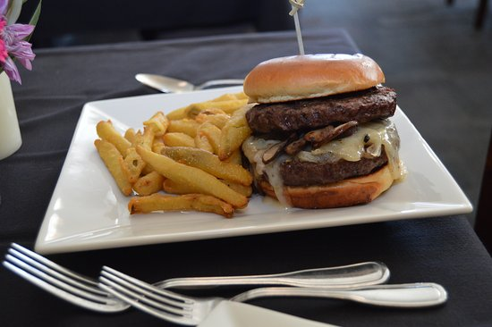 The Peacock Dining Room: Elk Burger