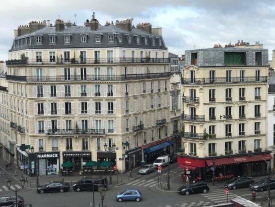 Hotel Le Squara  Rue Lepic Paris