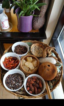 Lacey, واشنطن: Non-GMO tofu, in season fruit, beautiful ingredients ♡