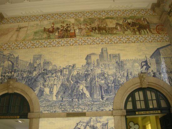 Photo of Tourist Attraction Rail Station Sao Bento at Praca Almeida Garrett, Porto 4000-069, Portugal