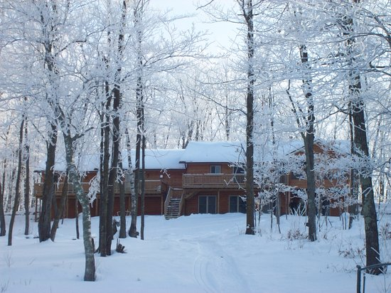 Pequot Lakes, Minnesota: Open all 4 seasons