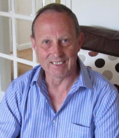 Калн, UK: GuestAdvisor Report: Ian Smith Former UKIP Dorset County Councillor. Cave Ergo Negotium.