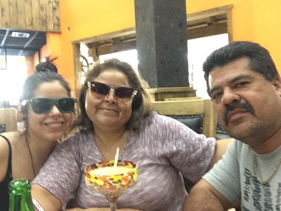 Pancho's Bar: Having a great time at pancho's bar n grill, love it!!!!