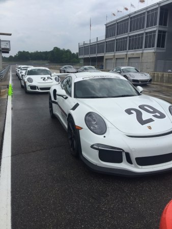 Leeds, Αλαμπάμα: Yes, that is a brand-new GT3RS. That I drove. In the rain. Really, really, really fast!