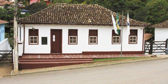 Itabira, MG: Casa antiga que abriga o Museu do Tropeiro