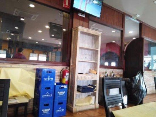 La Muela, Spanje: Interior restaurante