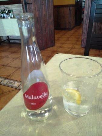 La Muela, Spanje: Agua con gas