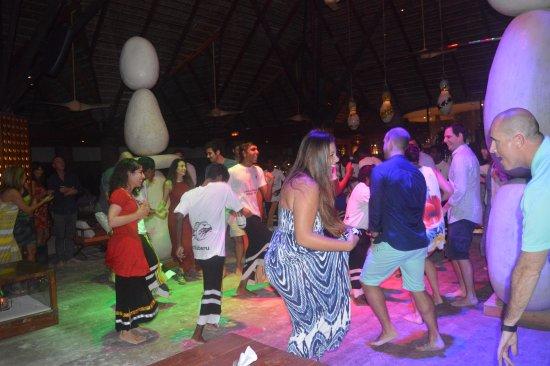 Constance Moofushi: Dancing!!